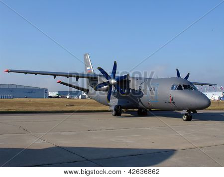 Plane An-140