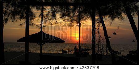 Sun set on Vung Tau beach