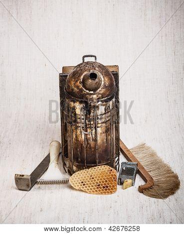Equipamento para apicultura