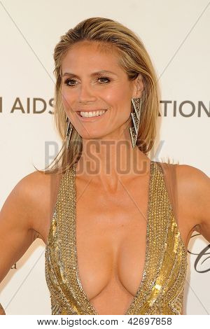 LOS ANGELES - FEB 24:  Heidi Klum arrives at the Elton John Aids Foundation 21st Academy Awards Viewing Party at the West Hollywood Park on February 24, 2013 in West Hollywood, CA