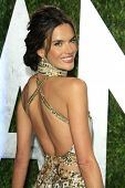 WEST HOLLYWOOD, CA - 24 FEB: Alessandra Ambrosio bei der Vanity Fair Oscar Party at Sunset Tower auf F