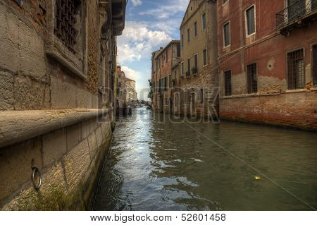 Canal In Venezia - Ground View