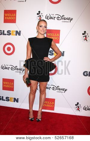 LOS ANGELES - OCT 18:  Peta Murgatroyd at the 2013 GLSEN Awards at Beverly Hills Hotel on October 18, 2013 in Beverly Hills, CA
