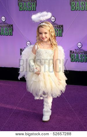 LOS ANGELES - OCT 20:  McKenna Grace at the Hub Network First Annual Halloween Bash at Barker Hanger on October 20, 2013 in Santa Monica, CA