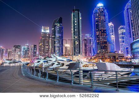 Vista da cidade do Dubai Marina, Emirados Árabes Unidos