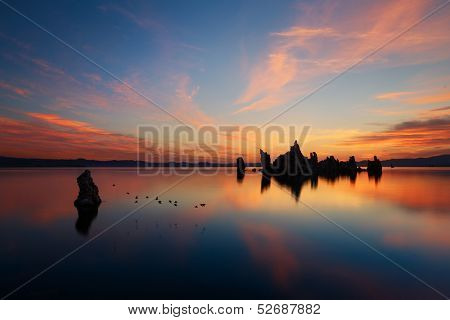 Mono lake reflections in the morning