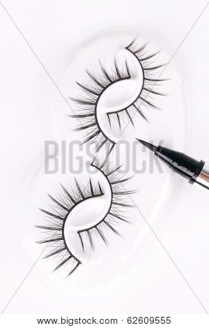 Set Of Eyelashes With Eyeliner