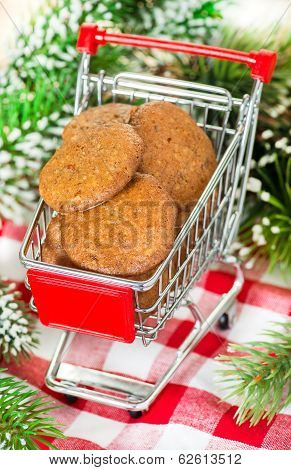 Lebkuchen gingerbread cookies in shopping basket