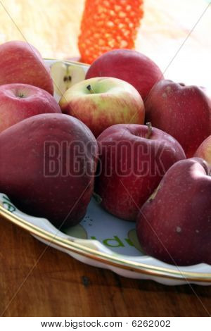 apples,red