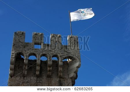 Fortress Kamerlengo Flag Detail