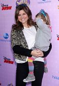 LOS ANGELES - NOV 09:  Tiffani Thiessen & Harper arrives to the