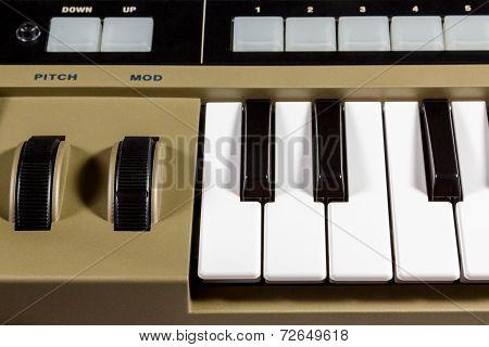 Keys piano synthesizer