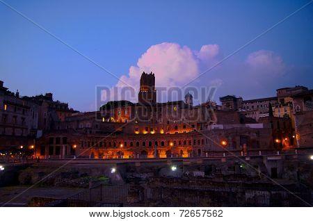 Forum Romanum in the evening