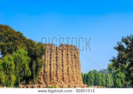 Alai Minar ruins