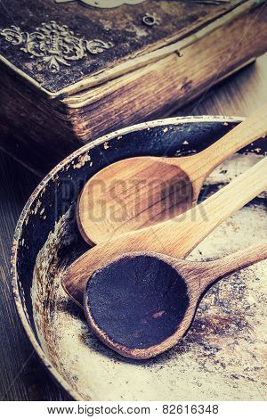 Wooden kitchen utensils on the table.