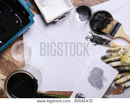 Black paint on the table