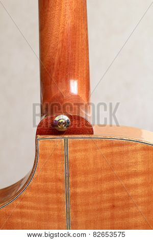 acoustic guitar heel