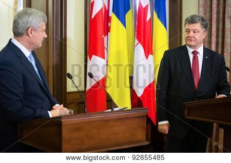 Petro Poroshenko And Stephen Harper