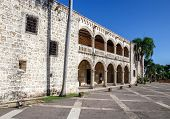picture of conquistadors  - Diego Columbus palace  - JPG
