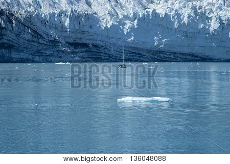 Sailing yacht in front of the Margerie Glacier at Glacier Bay Alaska