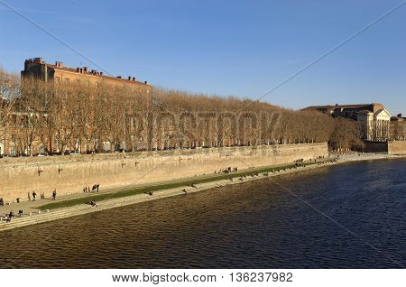 Garonne River and view of Toulouse, Midi Pyrenees, France