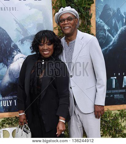 LOS ANGELES - JUN 27:  Samuel L. Jackson & LaTanya Richardson arrives to the
