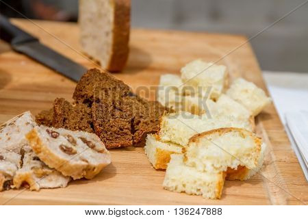 Cubes of bread croutons of white bread