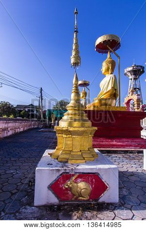 Wat Ph-ra That Lam-pang luang pagoda model , art