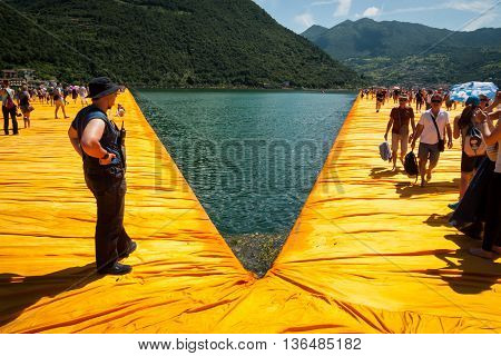 Floating Piers Security Monitor