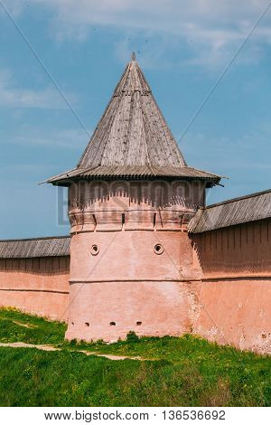 Ancient walls and Towers of Suzdal Kremlin. The Suzdal Kremlin dating from the 10th century.