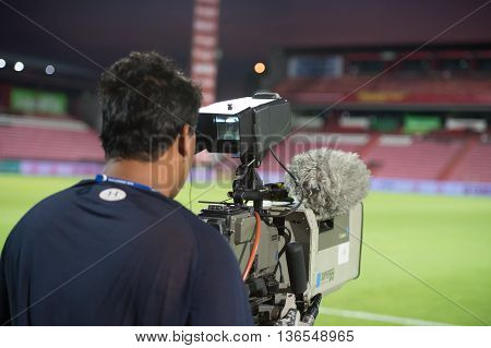 Bangkok Thailand-apr9,2016:  Equipment Live Stream And Camera Man During League Cup Match Between As