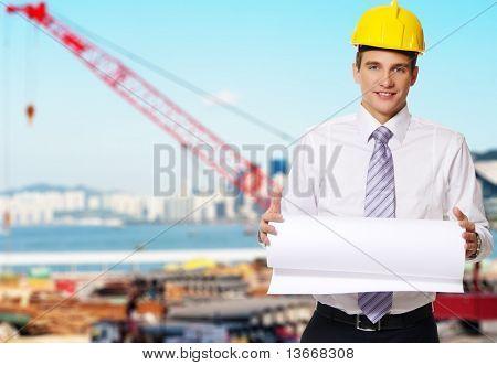 Construtor bonito jovem