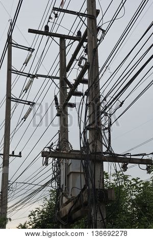 Eletricity line and electricity post  the cable on pole