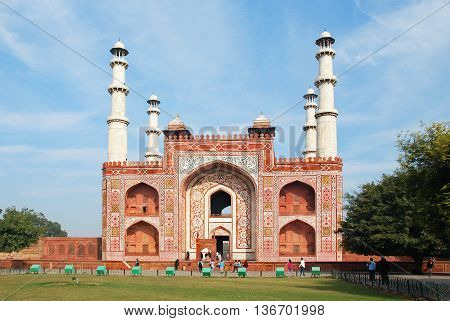 Agra. The face of the Entrance building to the area of the Sikandra tomb of Mughul Emperor Akbar