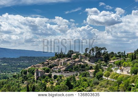 The hill top village of Bonnieux in the Luberon Provence