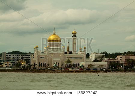 Beautiful View of Sultan Omar Ali Saifudding Mosque, Bandar Seri Begawan, Brunei, Southeast Asia
