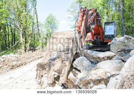 Excavator With Big Shovel