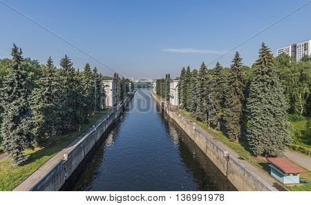 Russia Moskva River Karamyshevsky the waterworks the Gateway No. 9 canal. Moscow's Mnevniki.