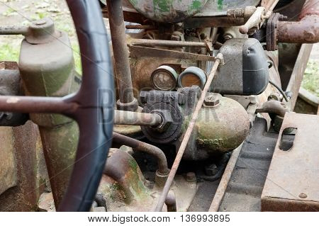 Details of the steering mechanism of an old tractor