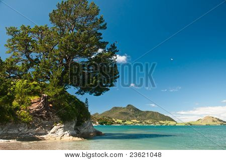 Paradiesische seelandschaft