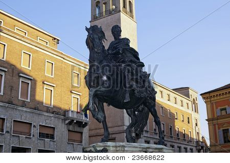 horse statue in piacenza
