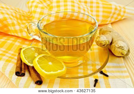 Tea ginger on yellow napkin