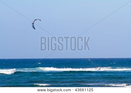 Kite Surfing In Hawaii