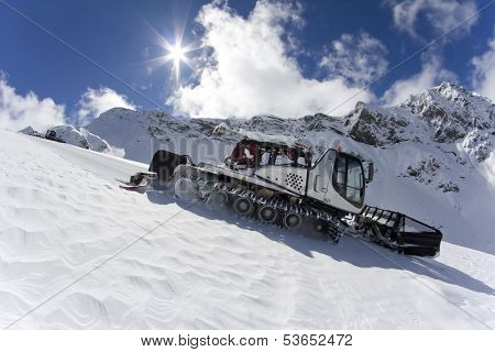 Ratrak, grooming machine, special snow vehicle