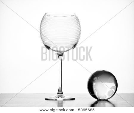 Large Empty  Red Wine Crystal Glass With Globe