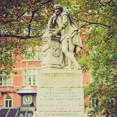 picture of william shakespeare  - Vintage looking Statue of William Shakespeare  - JPG
