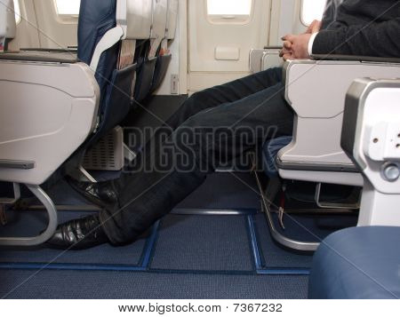 Legroom on airliner