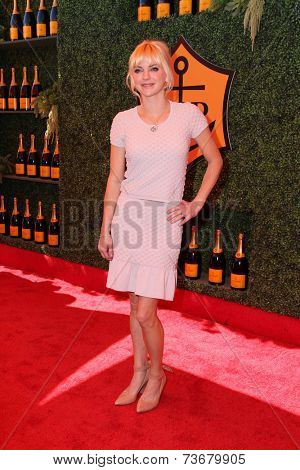 LOS ANGELES - OCT 11:  Anna Faris at the Fifth-Annual Veuve Clicquot Polo Classic at Will Rogers State Historic Park on October 11, 2014 in Pacific Palisades, CA