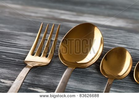 Tableware set (golden spoons and fork)