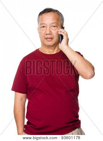 Old man talk to cellphone